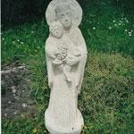 Wandrelief Mutter Gottes mit Kind, Muschelkalk