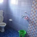ein ganz neues und sauberes Bad!!!! so selten in Indien
