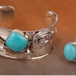 Avi Soffer, an israeli artisan, composed this symphony of silver/gold & amazonite in act 1