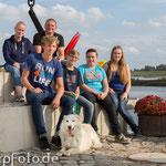 Shooting mit Familie und Hund an der Elbe Annett Mirsberger Fotografie