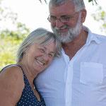 Älteres Ehepaar fotografiert von Annett Mirsberger auf Eiderstedt