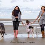 Shooting einer Familie und Dogge an der Nordsee