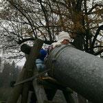 üsi Rutschbahn us alte Heu-Rohr