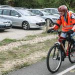 Cycliste sur la Piste Roger Lapébie, future voie verte européenne, en direction de Créon, station vélo. Inauguration du gîte d'étape de Citon-Cénac. 01/10/2010