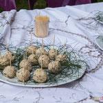 Boulettes de hoummous (Liban) cuisinées par Maryse Chatrix. Pique-nique des Insoumis de la 12ème circonscription de la Gironde, 4 juin 2017, Esplanade Josselin, le Tourne