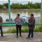 Lionel Chollon, Maire de Loupiac, Nathalie Chollon-Dulong, Christophe Miqueu. Péniche insoumise de la 12ème circonscription de Gironde. 7 juin 2017, Cadillac.