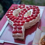Surprise, Anne et Yann Vanherzeele ont confectionné un superbe gâteau Phi. Langoiran, 18 juin 2018
