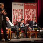 Jean-Marie Darmian boit du petit lait à l'écoute de Pascal Lafargue. Tandis que Benoît Hamon, avec ses lunettes, a l'air très présidentiable. #benoirhamon2017