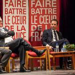 Ecoute attentive de Benoît Hamon pour sa porte-parole, Naïma Charaï, à l'occasion de sa candidature aux Primaires citoyennes.