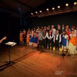 Les Choraleurs, en répétition de Carmen in swing, avec leur chef de cœur, Nathalie Aubin, Targon, 27 novembre 2016