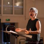"""Nathalie Aubin, chef de cœur des Choraleurs, répétition de """"Carmen in swing"""", Fargues-Saint-Hilaire, 19 novembre 2016"""