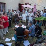 Nathalie Aubin et Jean Foussat libèrent les chants partisans à la gloire des travailleurs, des luttes sociales...Langoiran, 18 juin 2017