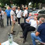 Réunion de place la France insoumise, en présence de Jean-Marie Billa, ancien Maire de Saint-Macaire et Stéphane Denoyelle, Maire de Saint-Pierre d'Aurillac, 9 juin 2017, Saint-Macaire