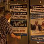 Ré-encoller de droite. Neutralisation insoumise sur des panneaux électoraux. Créon, 14 juin 2017