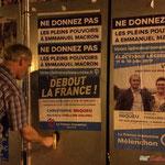 Ré-encoller de gauche. Neutralisation insoumise sur des panneaux électoraux. Créon, 14 juin 2017
