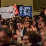 """""""Faire battre le cœur de la France"""", standing ovation du public. #benoithamon2017"""