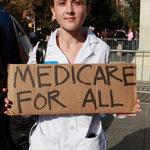 「医療保険を全ての人に」