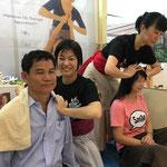 2017年タイバンコクでのジャパンエキスポでAguraAtsu出展の際に一緒に施術隊として来てくれました!