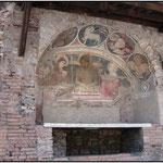 Фреска 13 века, украшает Инсулу 2 века