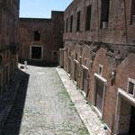 Инсула - многоитажный дом древнего Рима