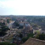 Вид на Колизей и Римский форум