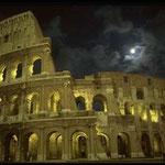 Колизей - амфитеатр для гладиаторских боев