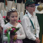 Das Kinderkönigspaar bei der Krönung des Königspaares 2014