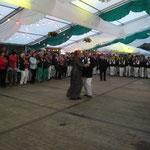 Das Königspaar 2013 beim Ehrentanz im Festzelt