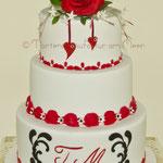 Hochzeitstorte rot-weiß-schwarz