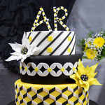 Hochzeitsstorte mit geometrischem Design