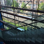 Gerüst in Treppenhaus für Fensterreinigung