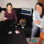 auch unsere omakatze guapa hat karten mit uns gespielt :-)