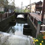 「清水(しょうず)」の川