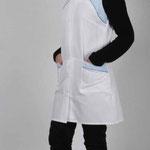 blouse Chloé - piqué de coton majoritaire blanc - empiècements bleu ciel