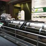 日野の天然ガストラック「CNG-MPI」の構造展示(1)