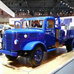 いすゞ自動車「TX80型5トン積みトラック」