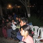El público a la espera...