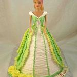 Барби в желто-зеленом Шоколадный бисквит, сметано-заварной  крем, фрукты. Белковый крем. 2,5кг