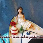 Свадебное путешествие Ванильные коржи, сливочно-заварной крем. Мастика