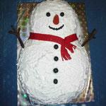 Снеговик Баунти – шоколадные песочные коржи, кокосовая прослойка, сливочный крем. Белковый крем, мастика. 5кг
