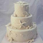 Свадебный: две звезды Сметанник с вишней и бананами. Мастика 6,7кг