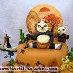 Кунг-фу панда Ванильный бисквит, сметано-заварной крем, фрукты. Мастика