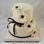 Свадебный: белые анемоны Творожно-слоеные коржи с карамельным крем-брюле Мастика 5,2кг