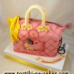 Сумочка розовая Шоколадный бисквит, сметано-заварной крем, фрукты. Мастика 3кг