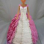 Барби в розовом со шлейфом 2 Сказка с миндалем в карамели. Белковый крем. 2,7кг