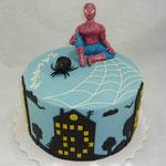 """Человек паук """"В ночном городе"""" Ванильный бисквит, йогуртовый крем. Мастика 2,6кг"""