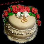"""Свадебный торт """"Моя голубка"""". 4,5кг. Шоколадный бисквит, коньячная пропитка, шоколадный крем, чернослив, грецкие орехи. Обтянут и украшен мастикой."""