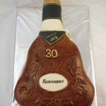 Бутылочка коньяка Медовый бисквит, сметанный крем, вишня. Мастика, 2,7кг