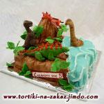 Динозавры и вулкан Медовик с карамельным крем-брюле, вишня. Мастика 3,2кг