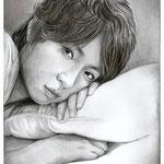 Masakı Aiba (ARASHI), 20х30 см, простые карандаши, пастель светло-серая, уголь.